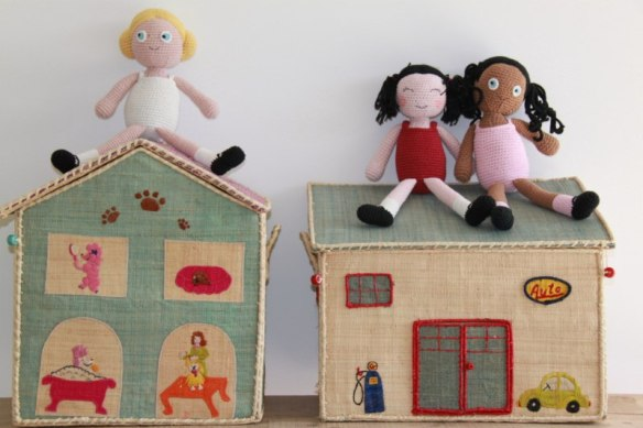 Baúles de almacenaje (de juguetes, libros) para habitaciones infantiles en Maison Artist