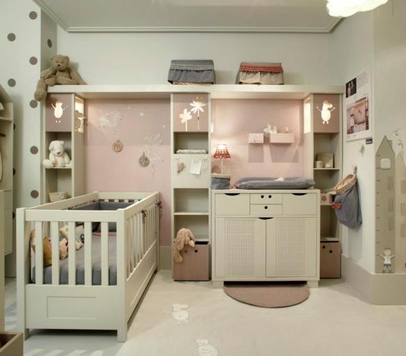 Habitación para bebés, cuna, cambiador de Dijous