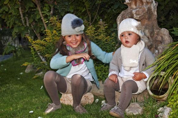 Gorros, bufandas y pashminas para bebés, niños y mamás de Casilda y Jimena