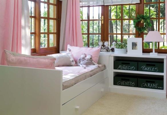 Habitación infantil Me & You cama nido, librero, baúl cabecero, cajitas pizarra y lámpara