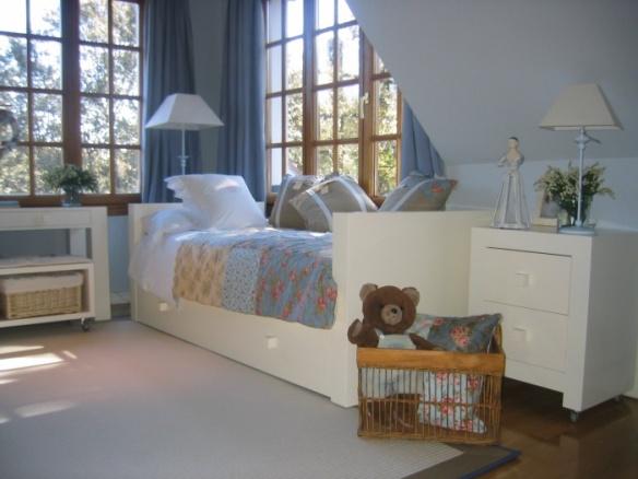 Habitación infantil, para niños y niñas Me & You cama nido, mesilla, escritorio y banco