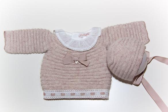 Jersey de lorzas para bebés con entredós y pasacinta lencero de Casilda y Jimena