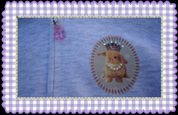 Detalle sudadera niña conejito collar perlas By Bosolita