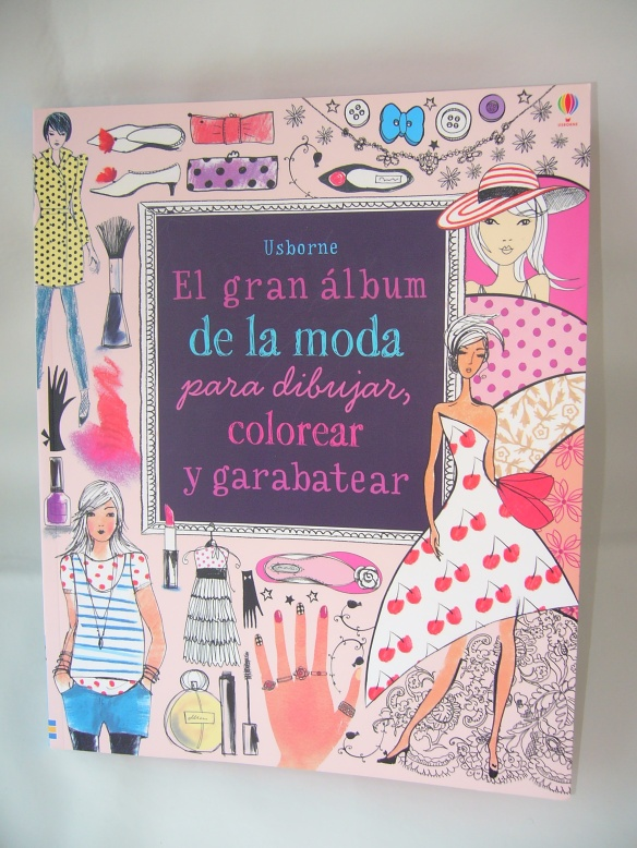 El gran álbum de la moda para dibujar, colorear y garabatear, de Usborne