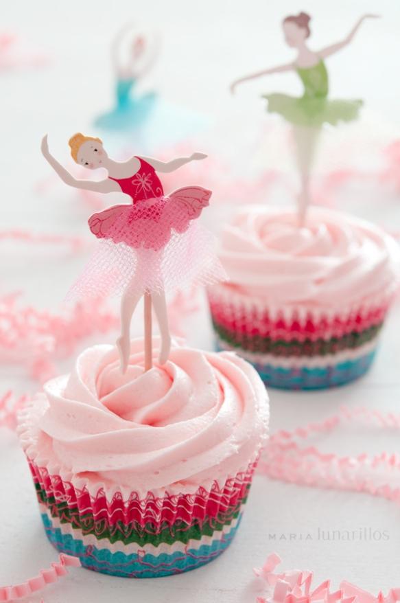 Cupcakes helado de fresa bailarinas de María Lunarillos