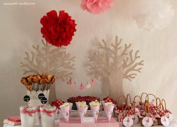 Decoración de fiesta de cumpleaños inspirada en Caperucita, Petit Sevilla