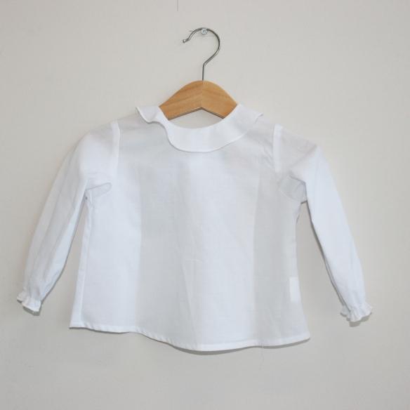 Camisa volante blanca para niñas de Mamitis