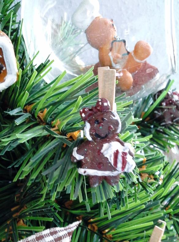 Detalle de los muñecos del arbolito de Navidad Navi Cookies de Chez Bea