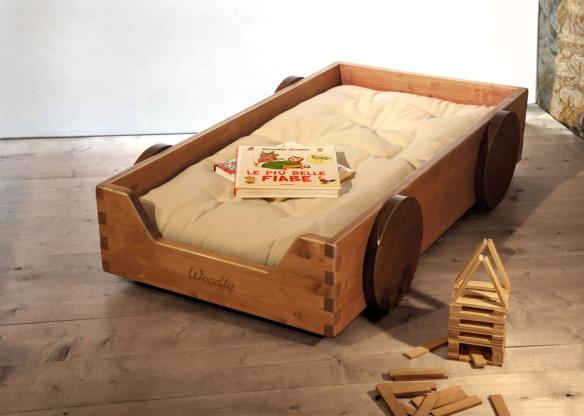 Cama Montessori, de madera maciza de Woodly
