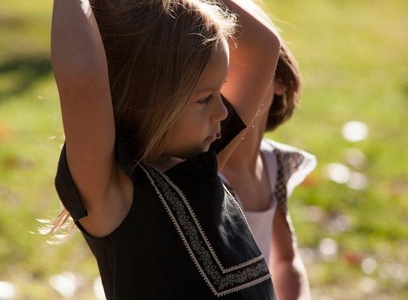 Vestido negro para niñas primavera-verano 2014, de Felicia Much