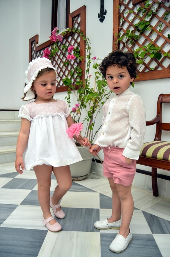 Vestido bodoques niña y conjunto de camisa y pantalón para niño, Micaela Micaelo primavera-verano 2014