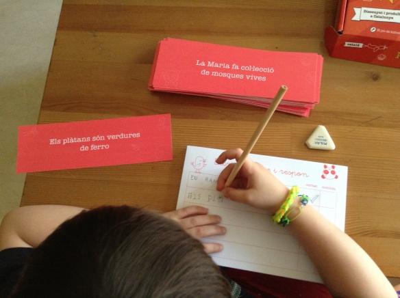 Kidnelis, juego de mesa para aprender a leer y escribir