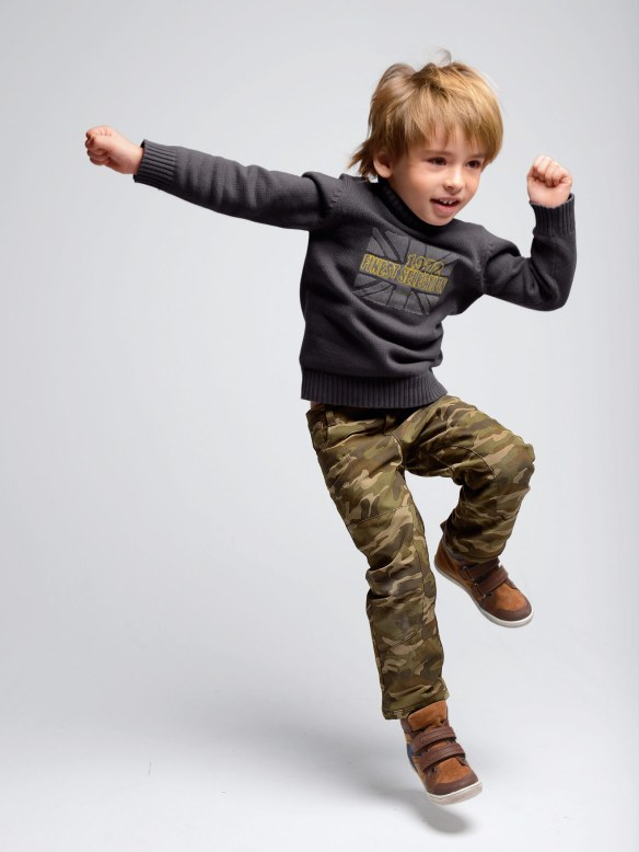 Pantalón indestructible para niño, de Vertbaudet